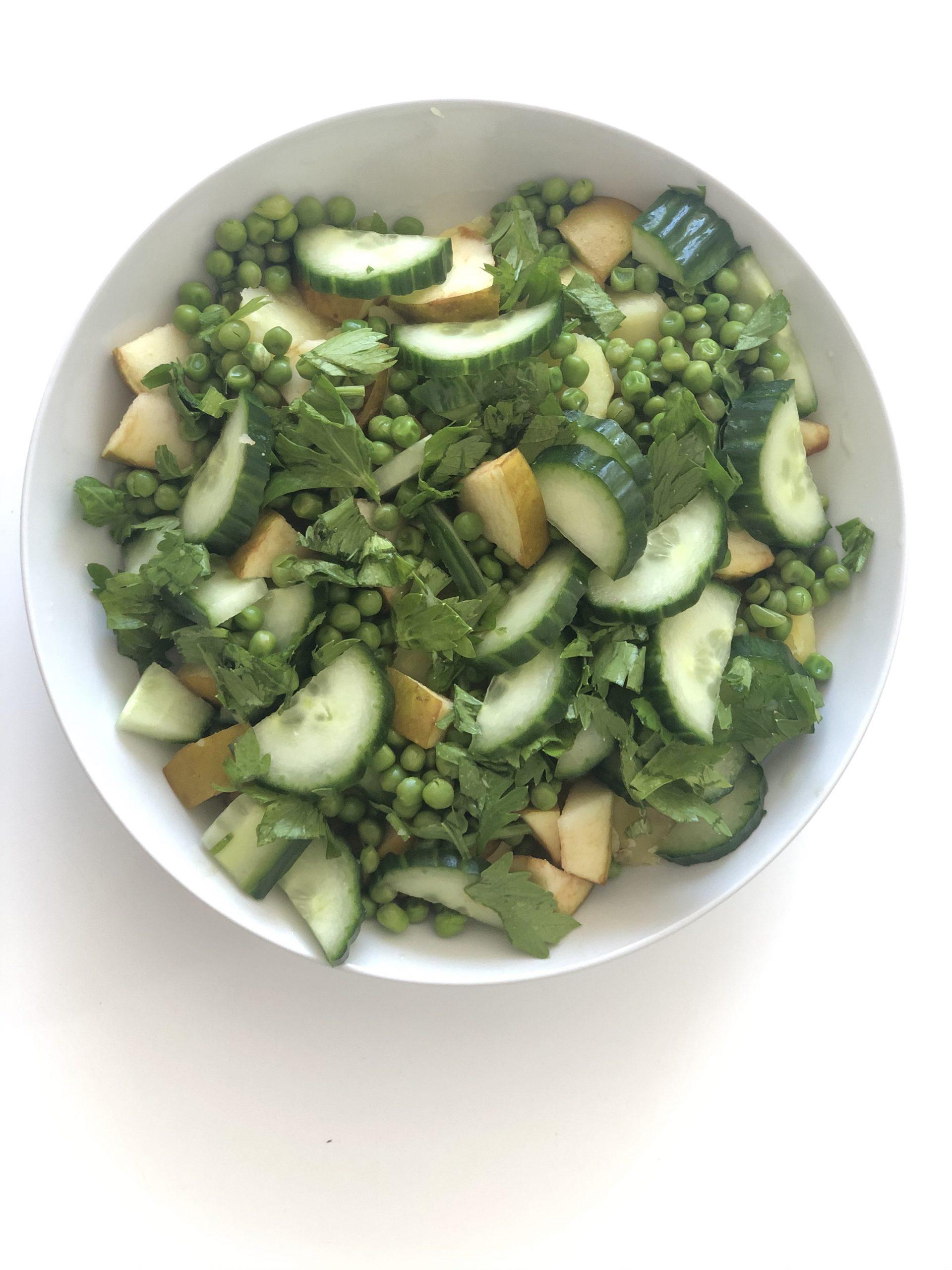 Salata de mazare si castraveti